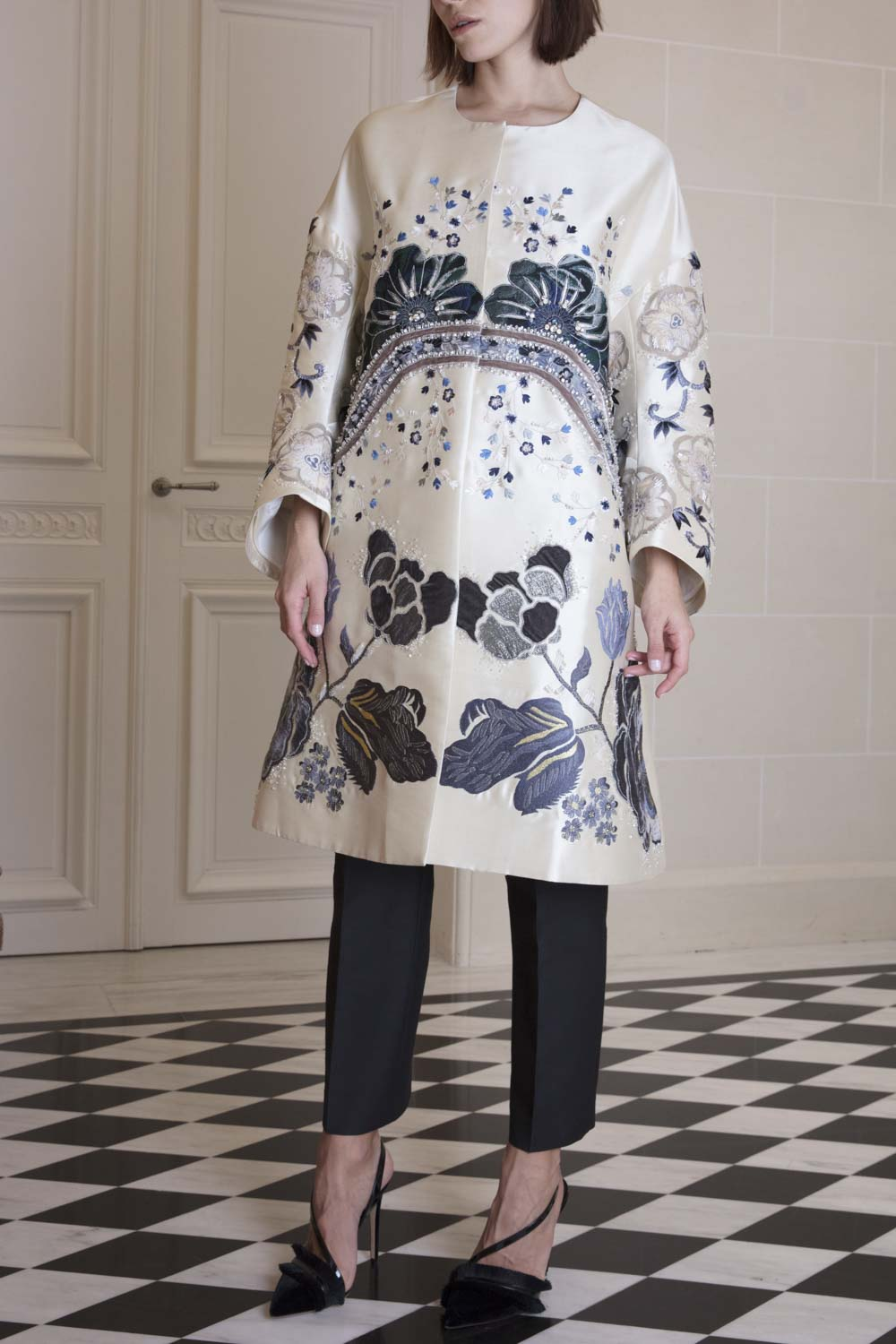 Ivory flower-embroidered edge-to-edge swing coat with appliqués and beading