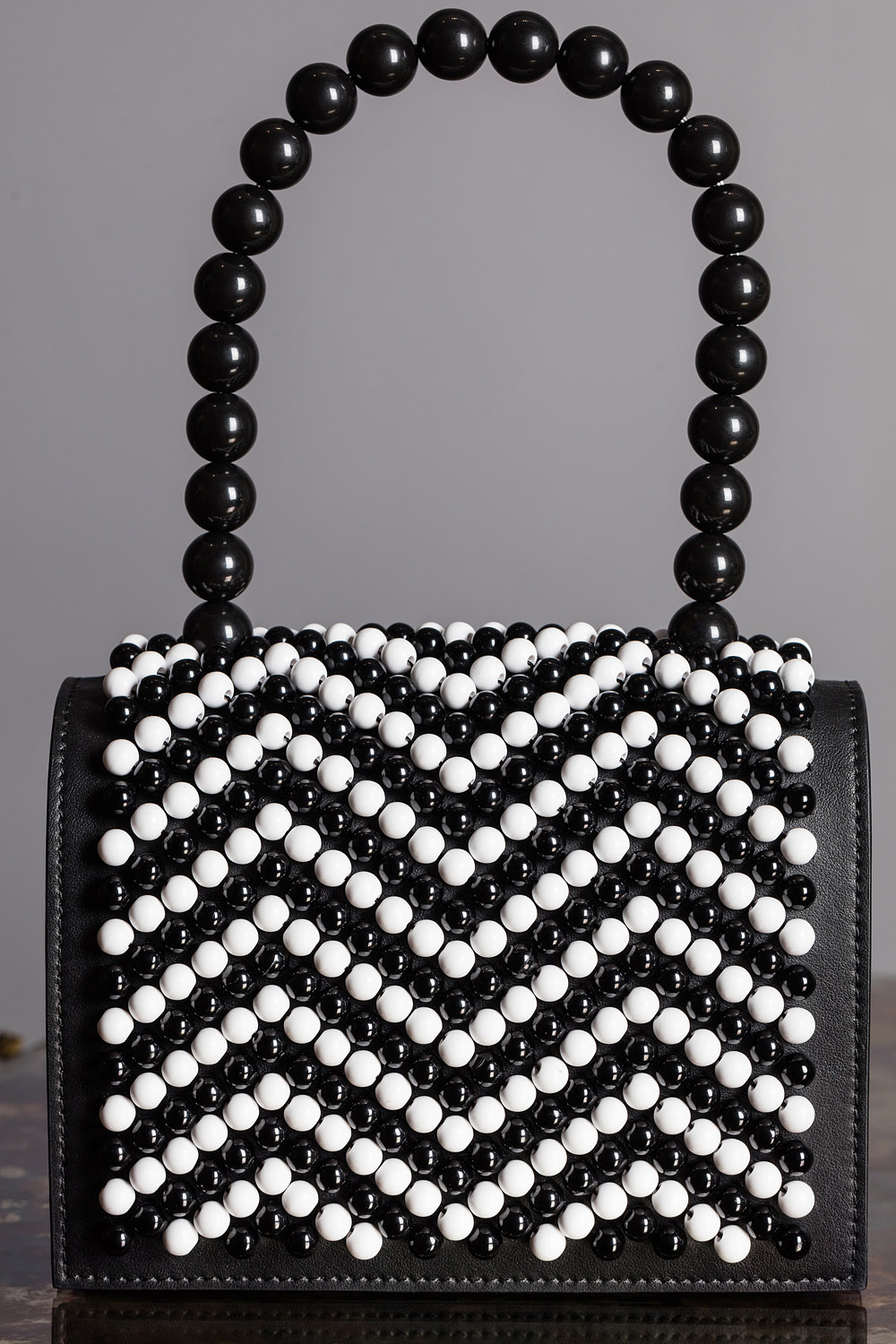 Beaded flower bag in calf leather with lamb leather lining